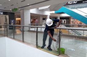 Railing Glass cleaning